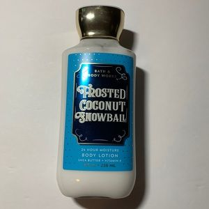 Bath & Body Works frosted coconut snowball lotion